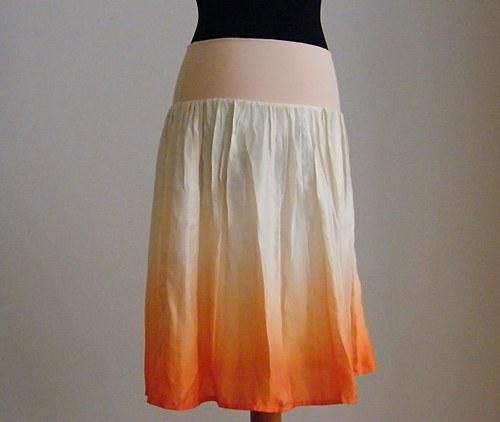 Krátká meruňková....hedvábná sukně