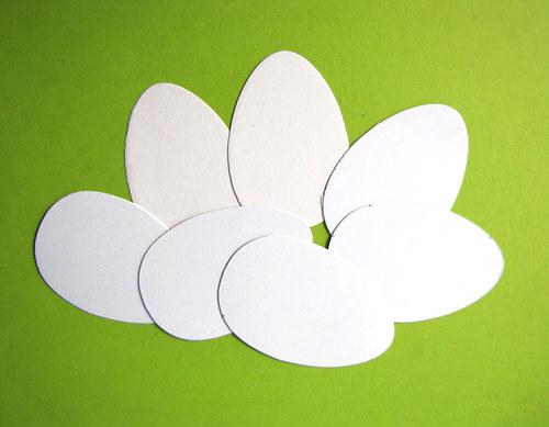 Bílá vajíčka (10 cm) - 7 ks