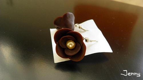 Hnedé kvety
