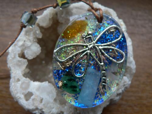 Krásný orgonitový náhrdelník s vážkou