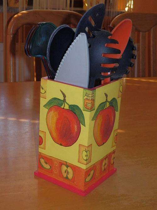 Stojánek na vařečky Jablíčka
