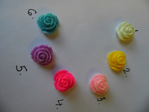 květ z resinu  14x9 / 2 kusy/