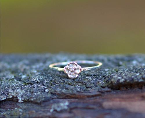 něžný růžičkový... AG prsten