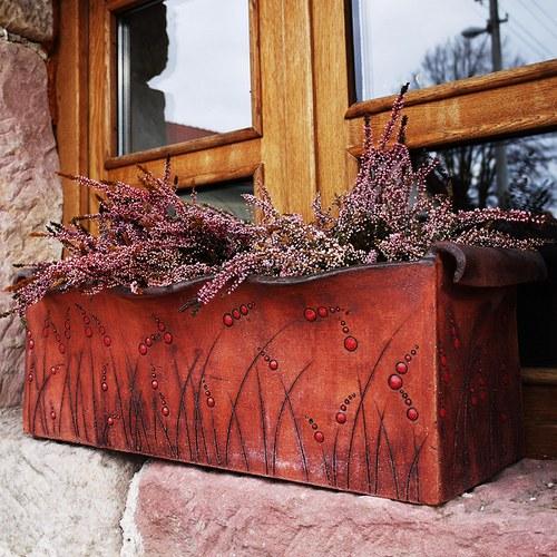 """Kameninový truhlík na květiny - \""""Luční kvítí\"""""""