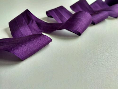 Hedvábná stuha - fialová