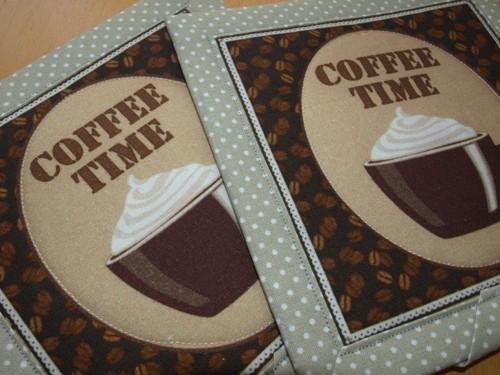 Prostírky pod hrnečky- čas na kávu