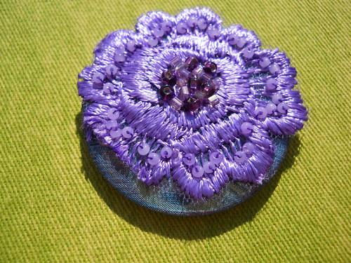 magnetka - fialová květina