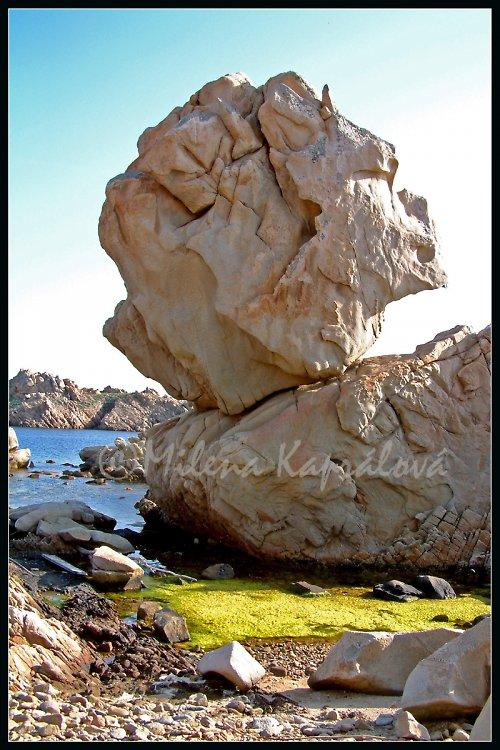 Kamenná hlava