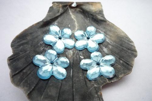 plastové kytičky 20 ks-  č.3   světle modré