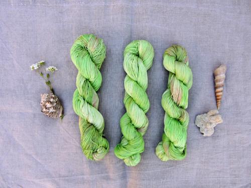 Pistácie-  ručně barvená 100% Pima bavlna