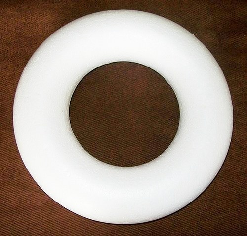 Věneček - polystyrenový korpus, průměr 17cm
