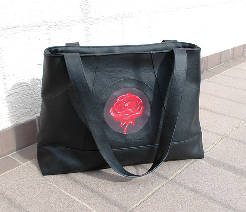 s ružou