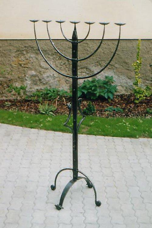 Kovaný židovský svícen,velký