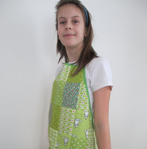 Zelená salaš - dětská zástěrka