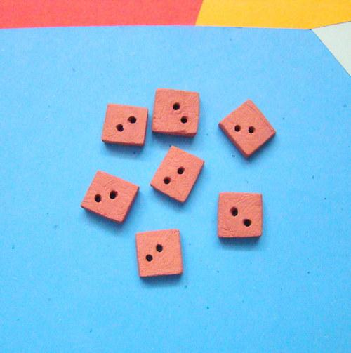 Čtvercové keramické knoflíky