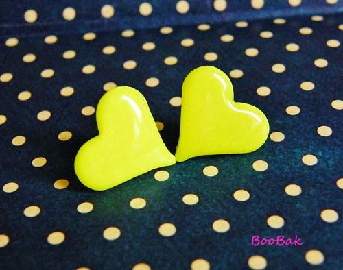 Neónovo žlté