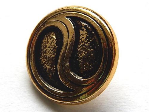 Knoflík, barva zlatá, kov, vzor jin a jang