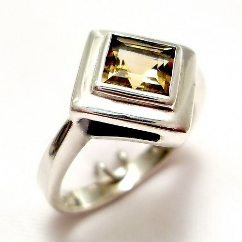 Prsten «Okínko»  - stříbro 925/1000, citrín