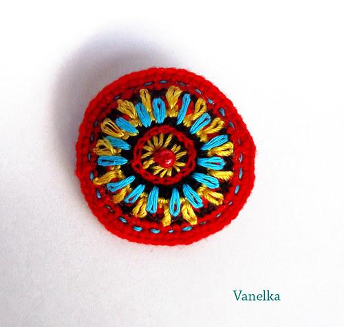 Crochet  brooch - červenáček