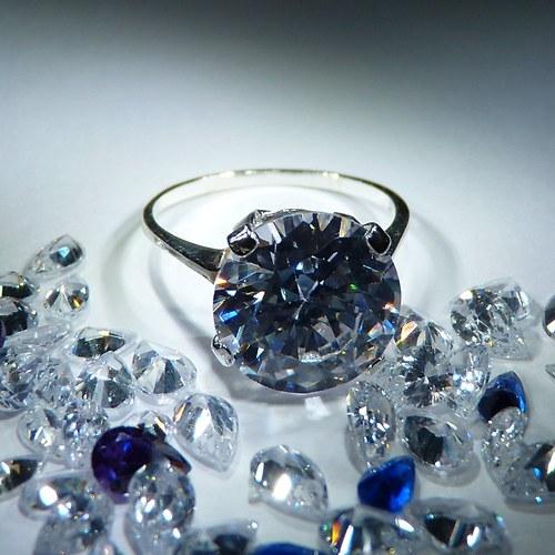 Diana 10 - prsten s čirým zirkonem