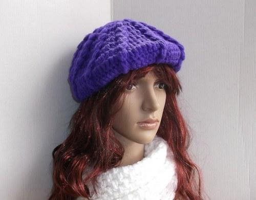 Krásně fialový baret,na fotu vychází spíš modrý.