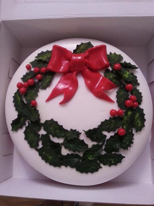 Vánoční dort s cesmínou....