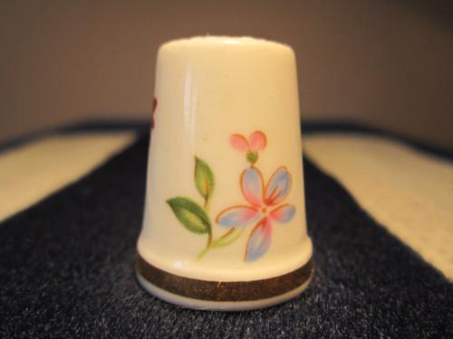 Porcelánový náprstek WGPH Royal Adderley England