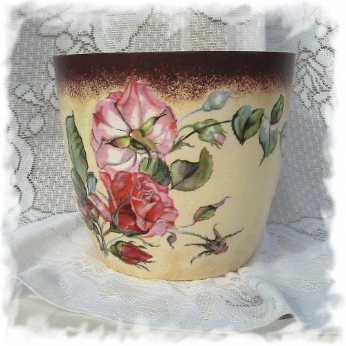 obal na květináč- s růžemi nejen pro babičku