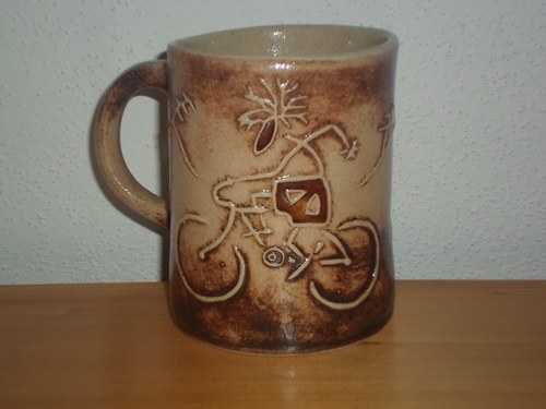 kameninový hrnek - cyklista