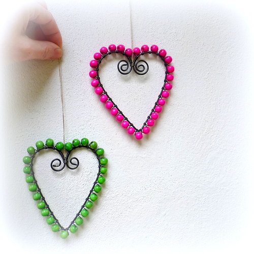 Dvě srdce.... v barvě růžové a zelené:)