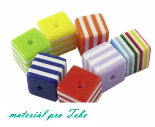 kostičky - pestrobarevné - 10 ks