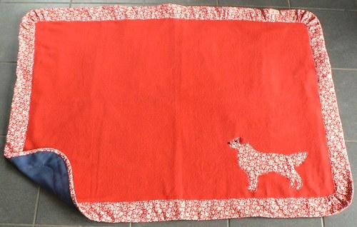 Červená deka pro větší psiska 90x120 cm