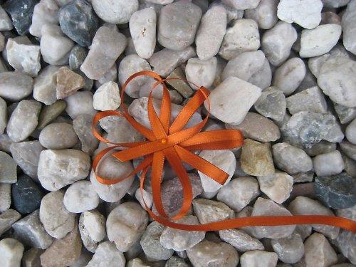 Stuha atlasová oboulícní oranžová 5m (šíře 5 mm)