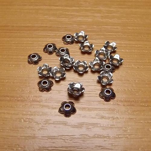 Stříbrné kaplíky - 6,5mm - 20 kusů