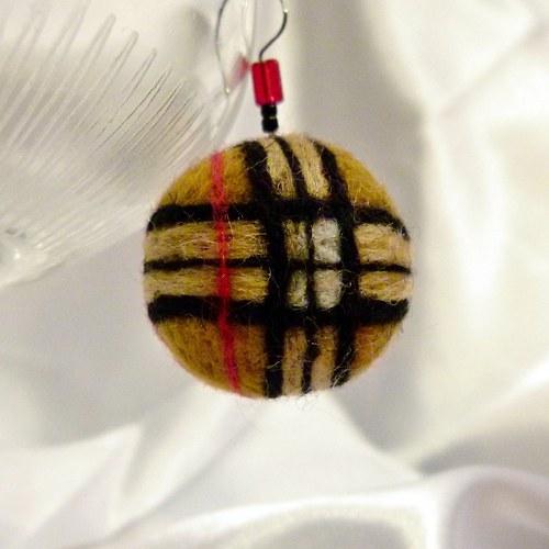 Náušnice kulaté plstěnky – vzor skotská kostka