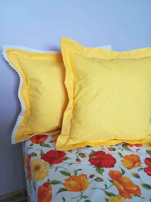 Povlak : Bílé květinky na žluté
