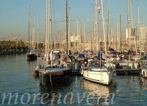 marína - loďky v přístavu