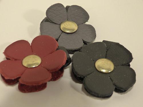 Kožené květinky