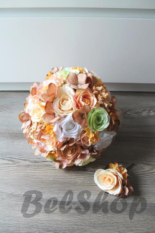 Svatební kytice v meruňkovém mixu
