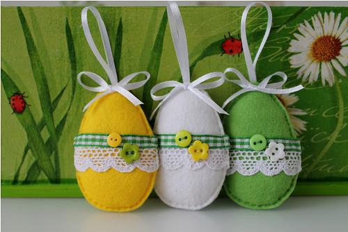 Velikonoční vajíčka závěsná z filce