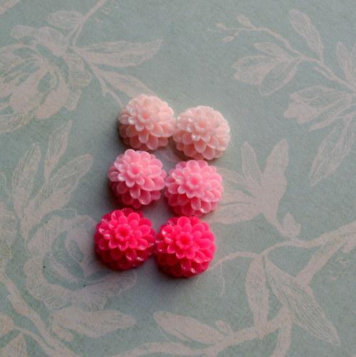 Květinové resin kabošony 14mm pruměr 6ks