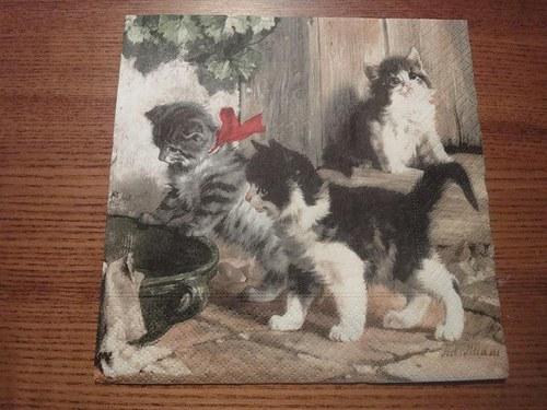Ubrousek na decoupage - koťátka 1