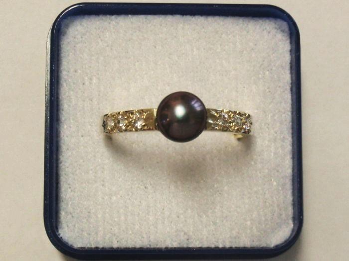 Zlatý prsten s černou perlou a se zirkony   Zboží prodejce Ačleh ... 85899809cd2