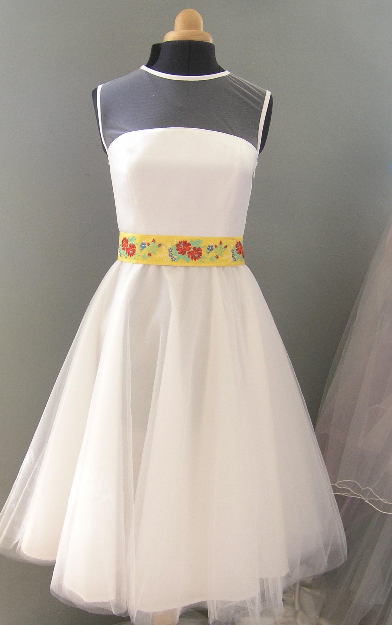 fd1be322d4c svatební šaty s kolovou tylovou sukní   Zboží prodejce ceasara