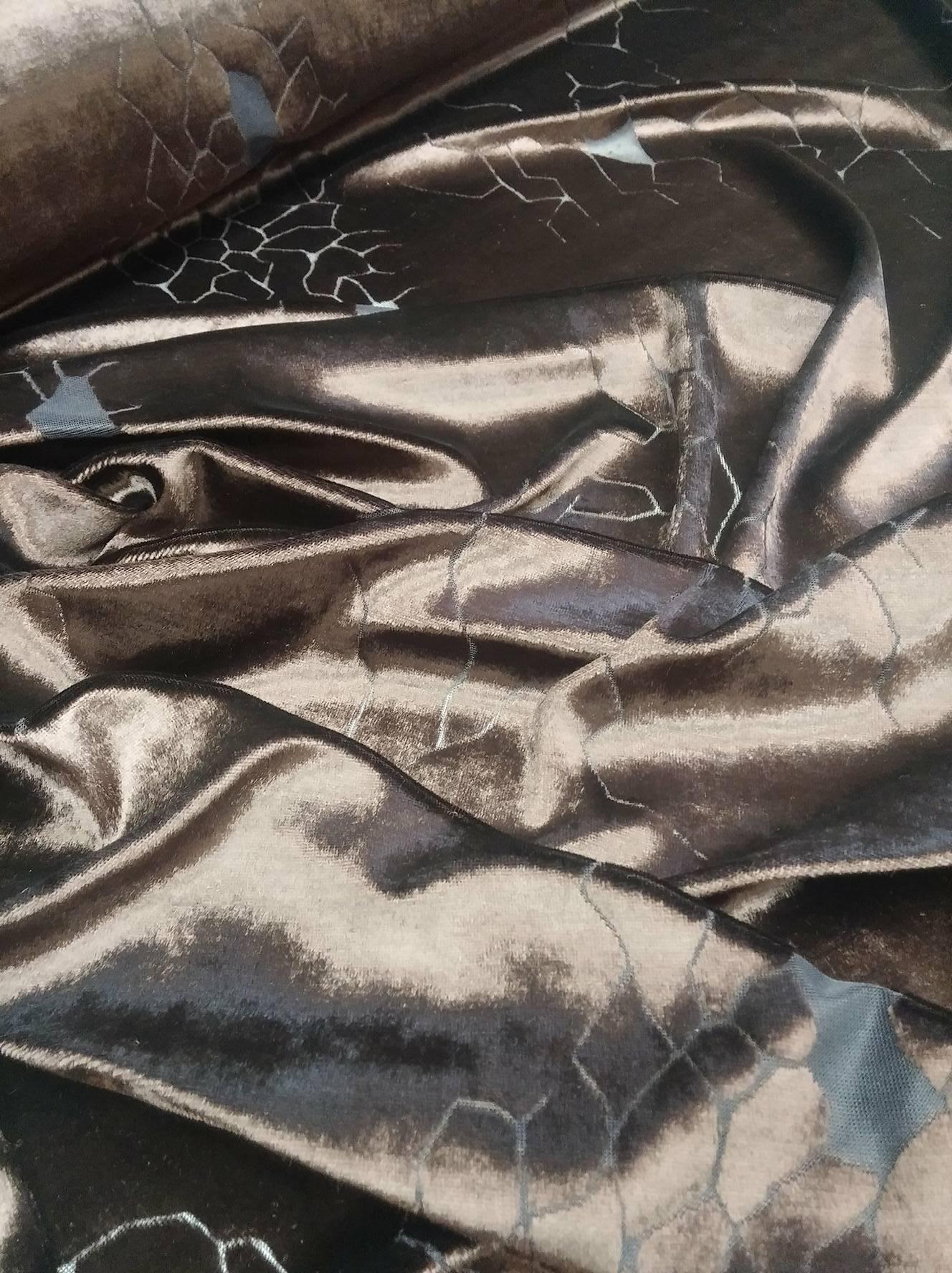 Elastický samet s průsvitným vzorem   Zboží prodejce Solidus Brno ... 38205e92846