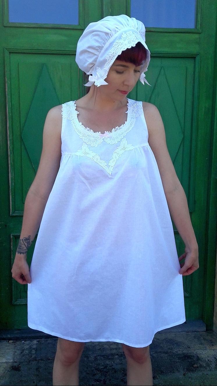 ca937aa75dfc Dámská bílá noční košilka s krajkou   Zboží prodejce La Romantica ...