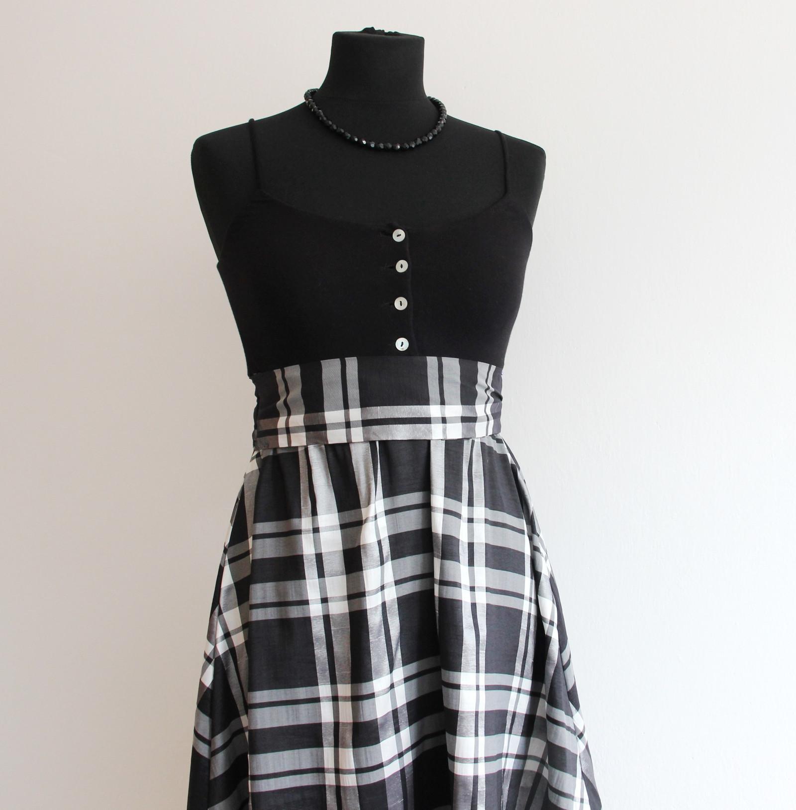 2cdc4e058653 Rozkošné černobílé kostkaté chic šaty s mašlí   Zboží prodejce ...