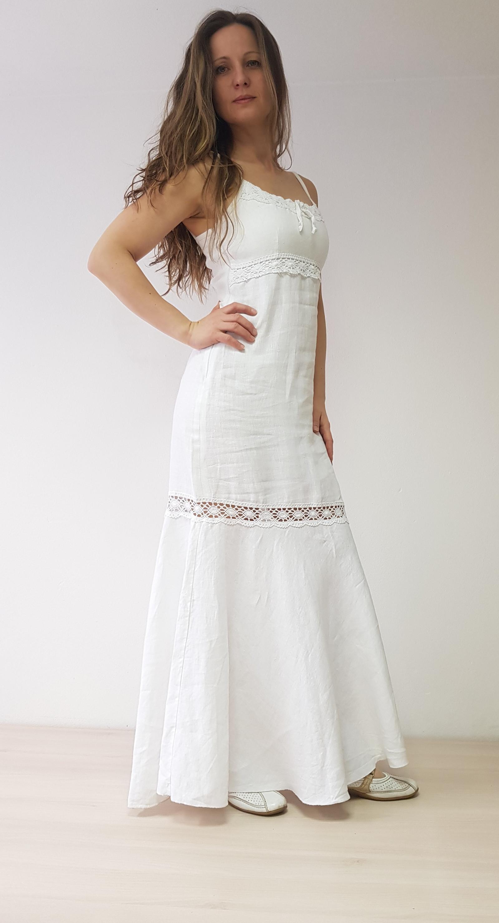ace77f1149f4 Lněné bílé šaty s krajkou   Zboží prodejce Zrozena pro krásu