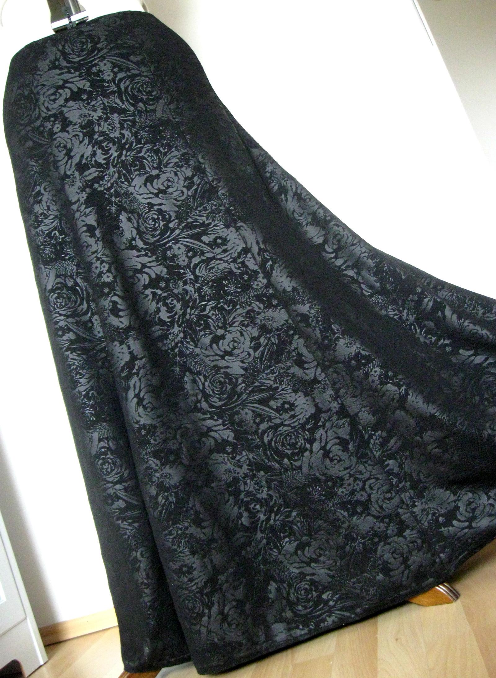 Dlouhá společenská ... sukně   Zboží prodejce Darueli  4c4a6ac808