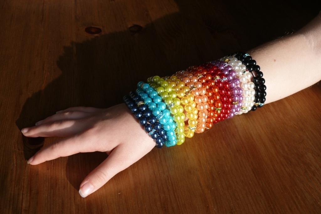 barevné perličkové náramky - 4+1 ZDARMA   Zboží prodejce Hakika ... 991ac7da5dc